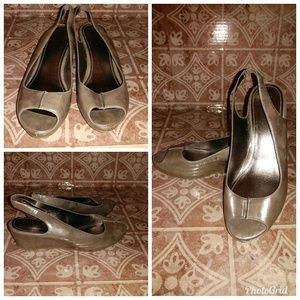 Kenneth Cole Reaction Slingback Wedge 8M   A1218